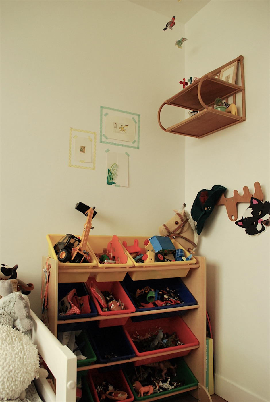 gallery of with astuce rangement chambre enfant. Black Bedroom Furniture Sets. Home Design Ideas